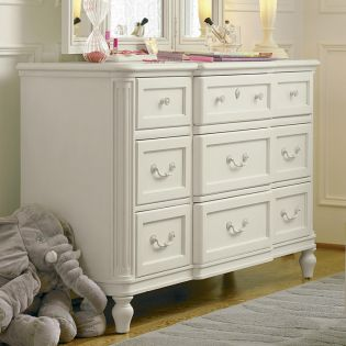 Gabriella 136A002  Drawer Dresser