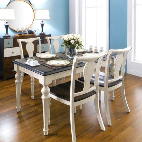 D9500-4  Dining Set (1 Table + 4 Chairs)