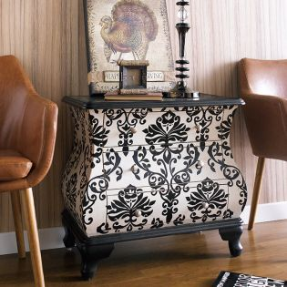 DS-641176  Accent Chest